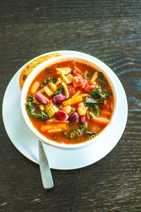 Minestrone Soup   The Curvy Carrot