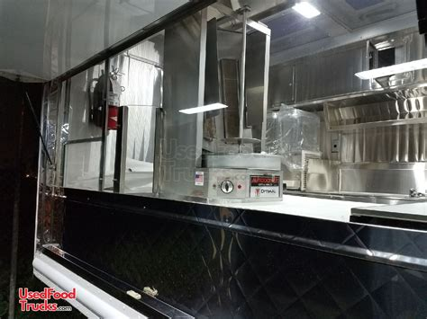 Loaded Turnkey Chevrolet P30 Food Truck / Mobile Kitchen