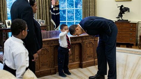 Behind the Lens: Obama Photographer Pete Souza - Twin