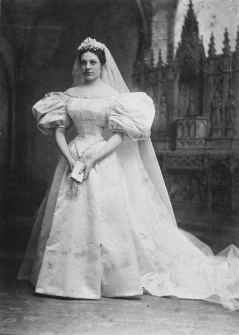 This Bride's 120-Year-Old Wedding Dress Is the Ultimate