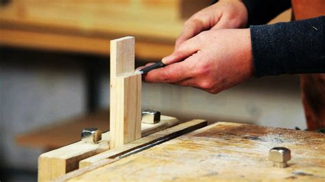 How to Use a Wood Chisel   Woodworking - YouTube