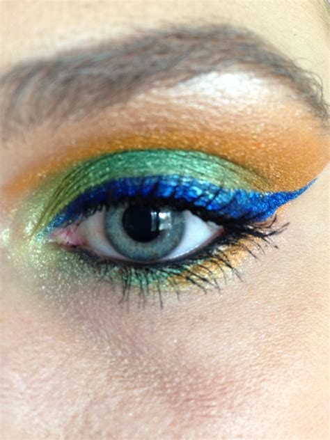 colorful Egyptian-styled eye liner and makeup | Colorful