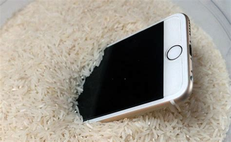 Using Rice to Dry a Wet Phone Is Not Effective As You