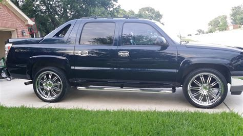 2005 Chevrolet Avalanche - Overview - CarGurus