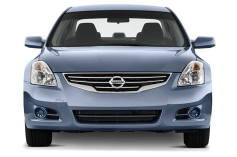 2010 Nissan Altima Reviews and Rating | Motor Trend