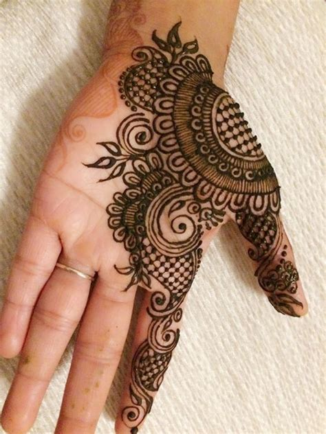 Unique And Attractive Inner Hand Mehndi Designs For Girls