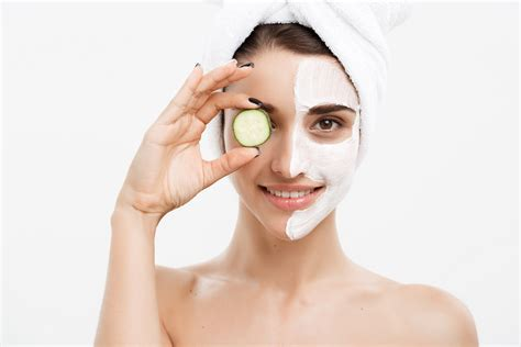 Types of Skin Whitening Procedures and Home Remedies