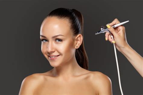 Best Airbrush Makeup Reviews 2020: Top 6 Kit For HD Coverage