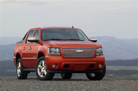 2011 Chevrolet Avalanche News and Information