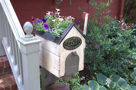 Mailbox Cover/Planter by BTCDMD on Etsy