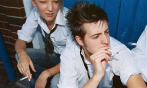 Popular kids are more likely to smoke, study says | Daily