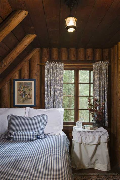 A Rustic Cottage in the Woods | Home Design, Garden